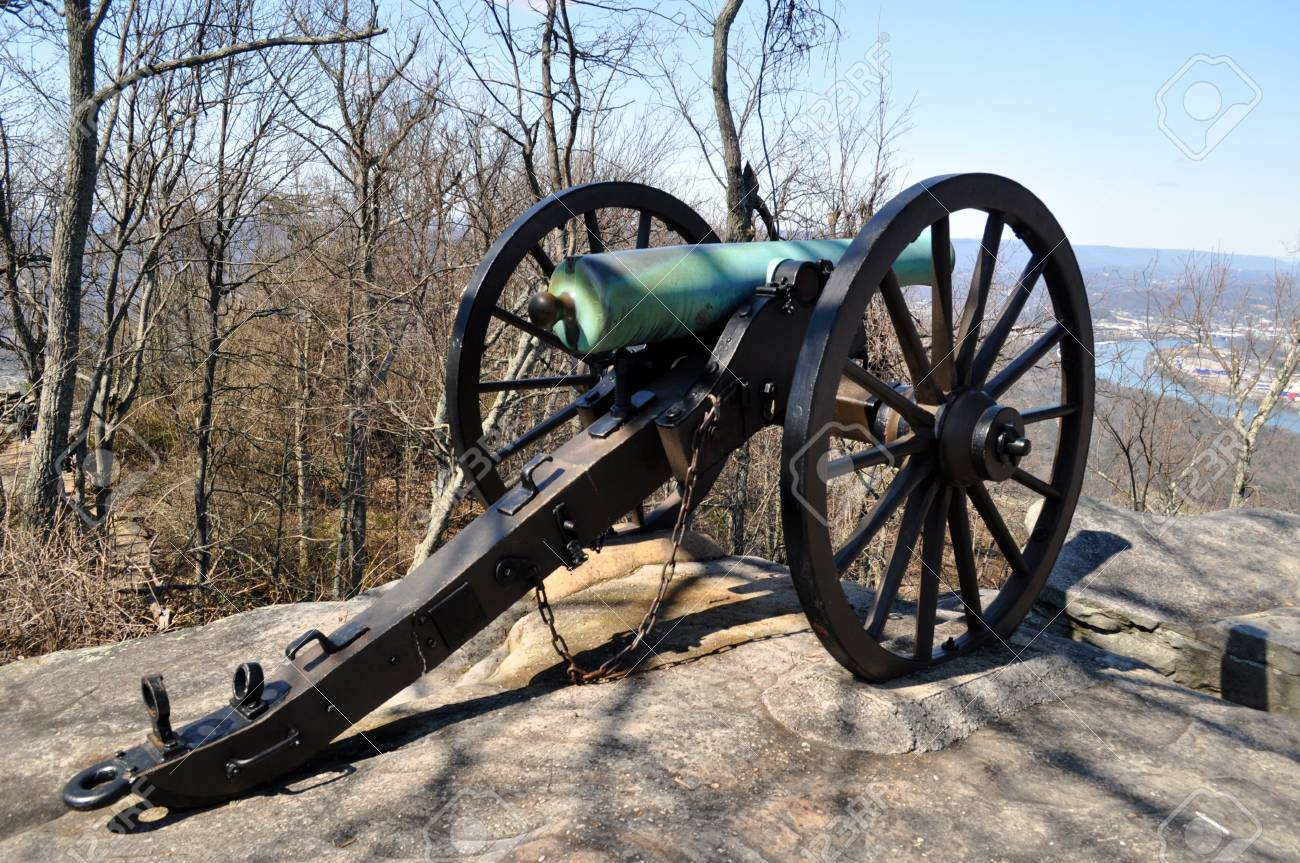 Civil War Cannon overlooks Chattanooga Tennessee - 21940969