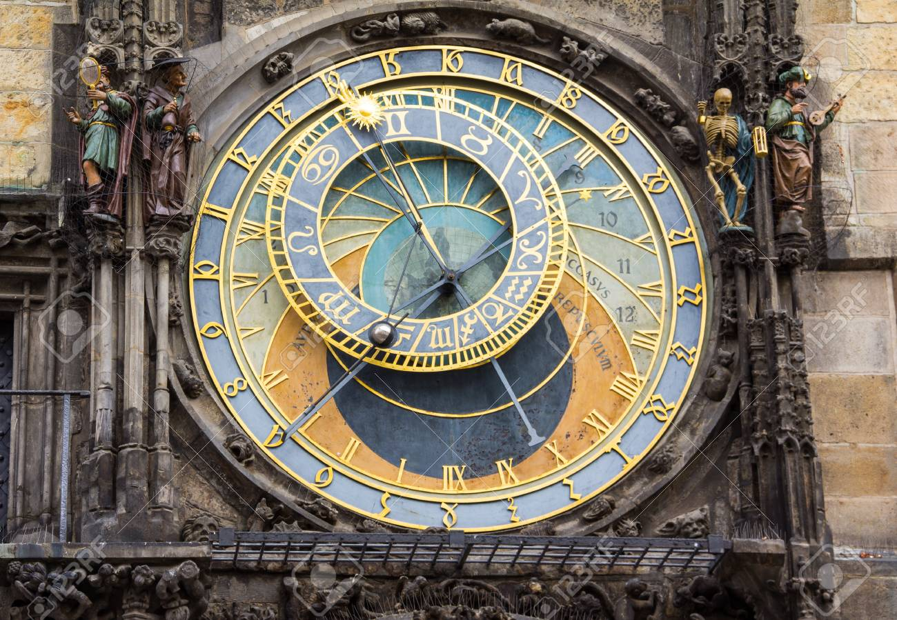 Astronomical Clock At Old Town Hall Tower In Pague Stock Photo - 60811224