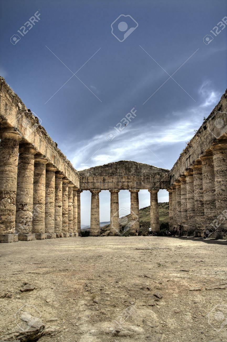 Segesta, sicily, italy doric temple Stock Photo - 4299404