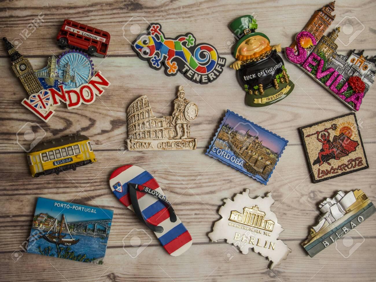 Travel fridge magnets