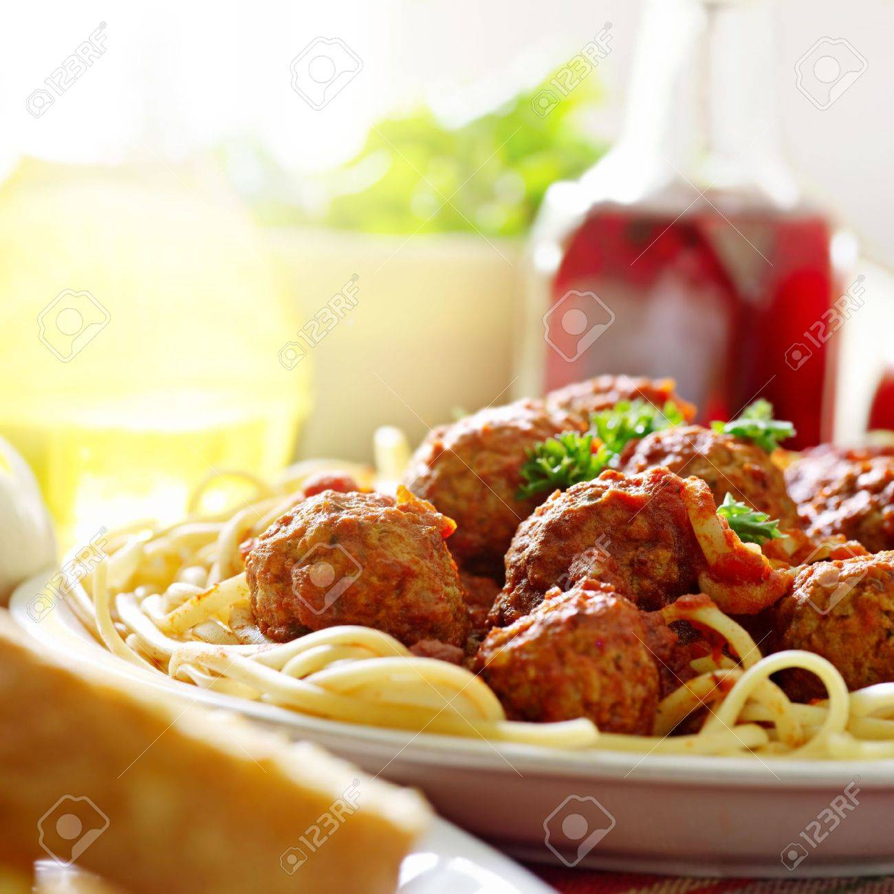hearty spaghetti dinner - 7590387