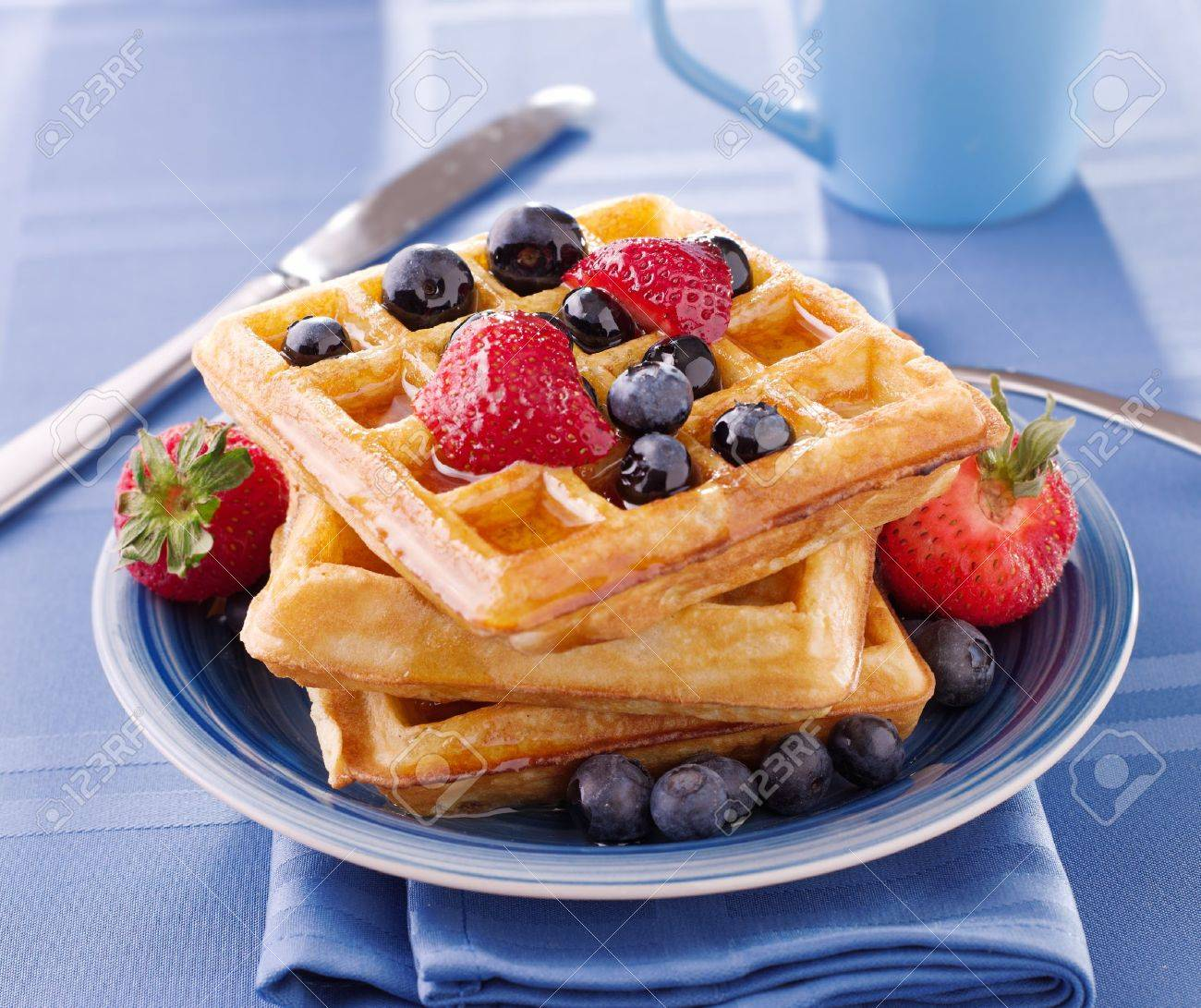 blueberry waffles with strawberries Stock Photo - 12925062