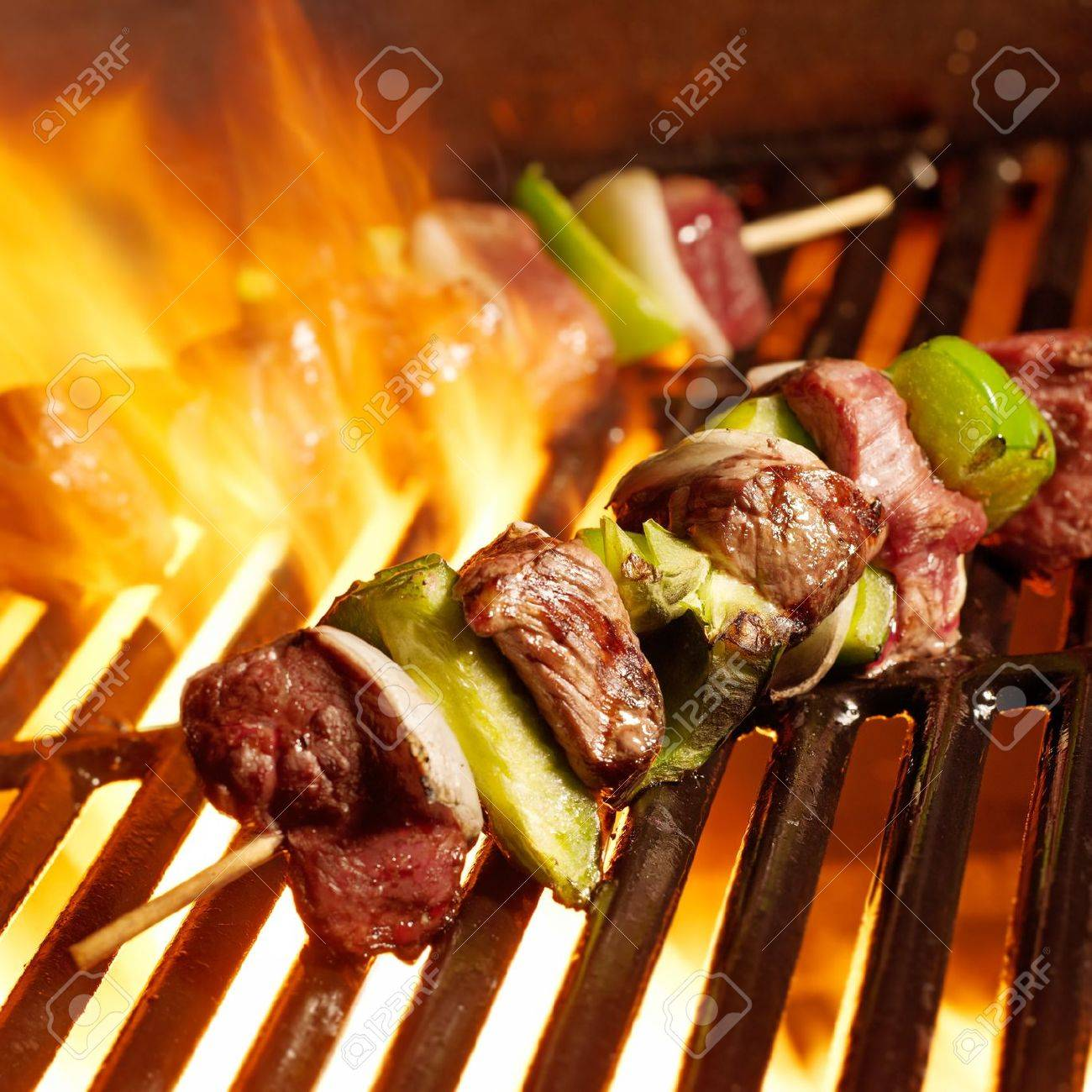 beef shish kabobs on the grill Stock Photo - 14940980
