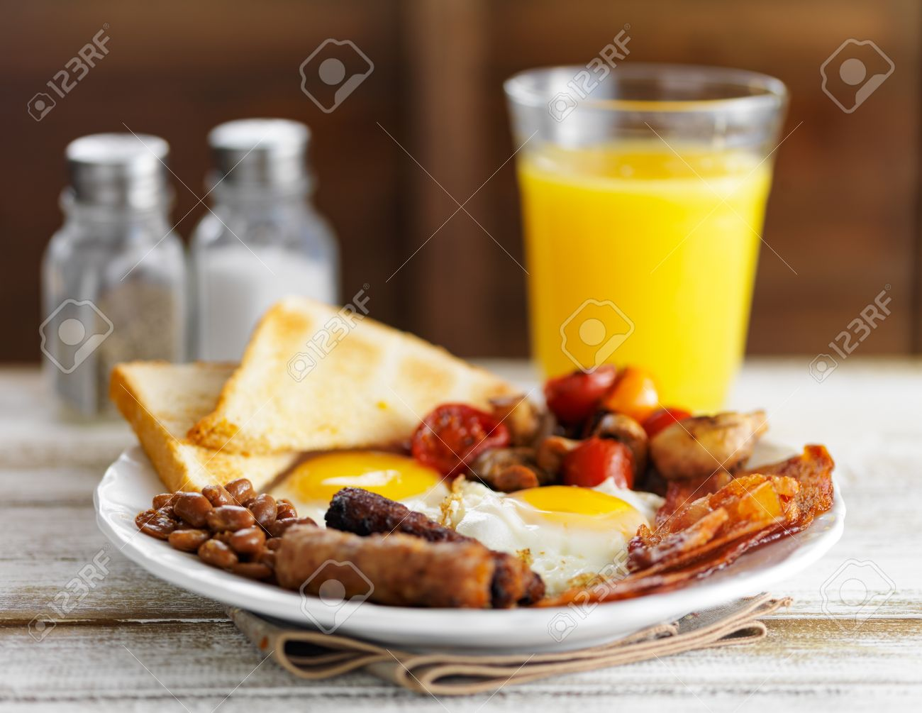 classic english breakfast on rustic table top served with orange juice Stock Photo - 47617887 & Classic English Breakfast On Rustic Table Top Served With Orange ...