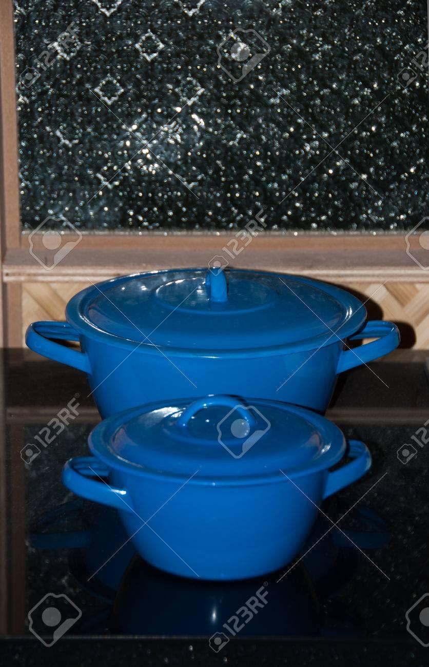 Cuisine Style Ancien cuisine de style ancien avec cuisine émail pot ware