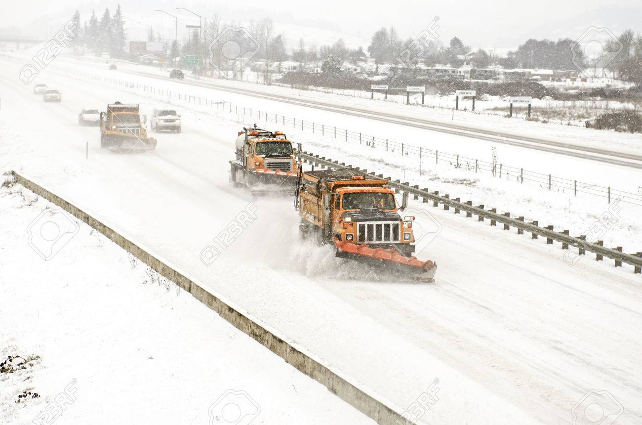 Snow Plows Clearing The Freeway On Interstate 5 During A Winter.. Stock  Photo, Picture And Royalty Free Image. Image 32278697.