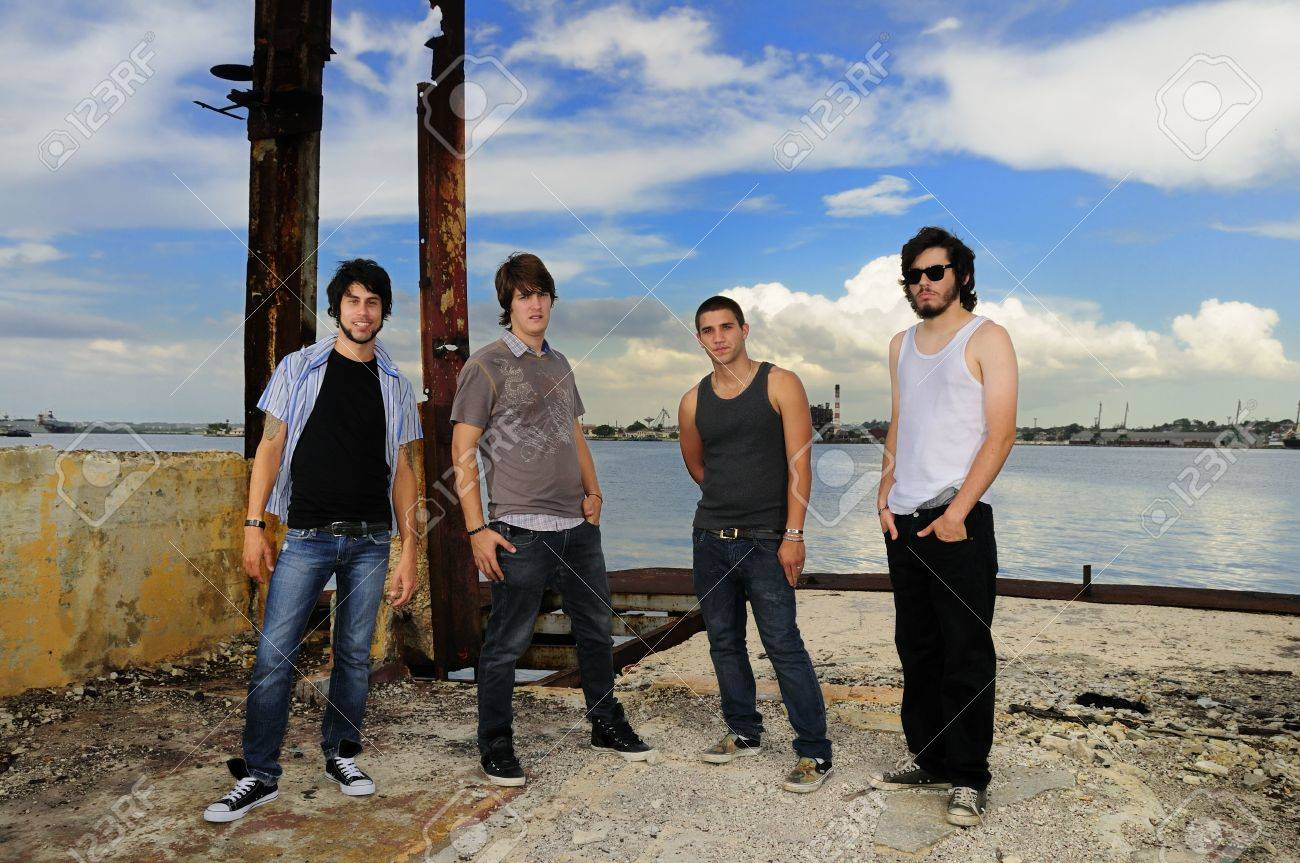 Portrait of young casual group of friends posing outdoors Stock Photo - 5364644