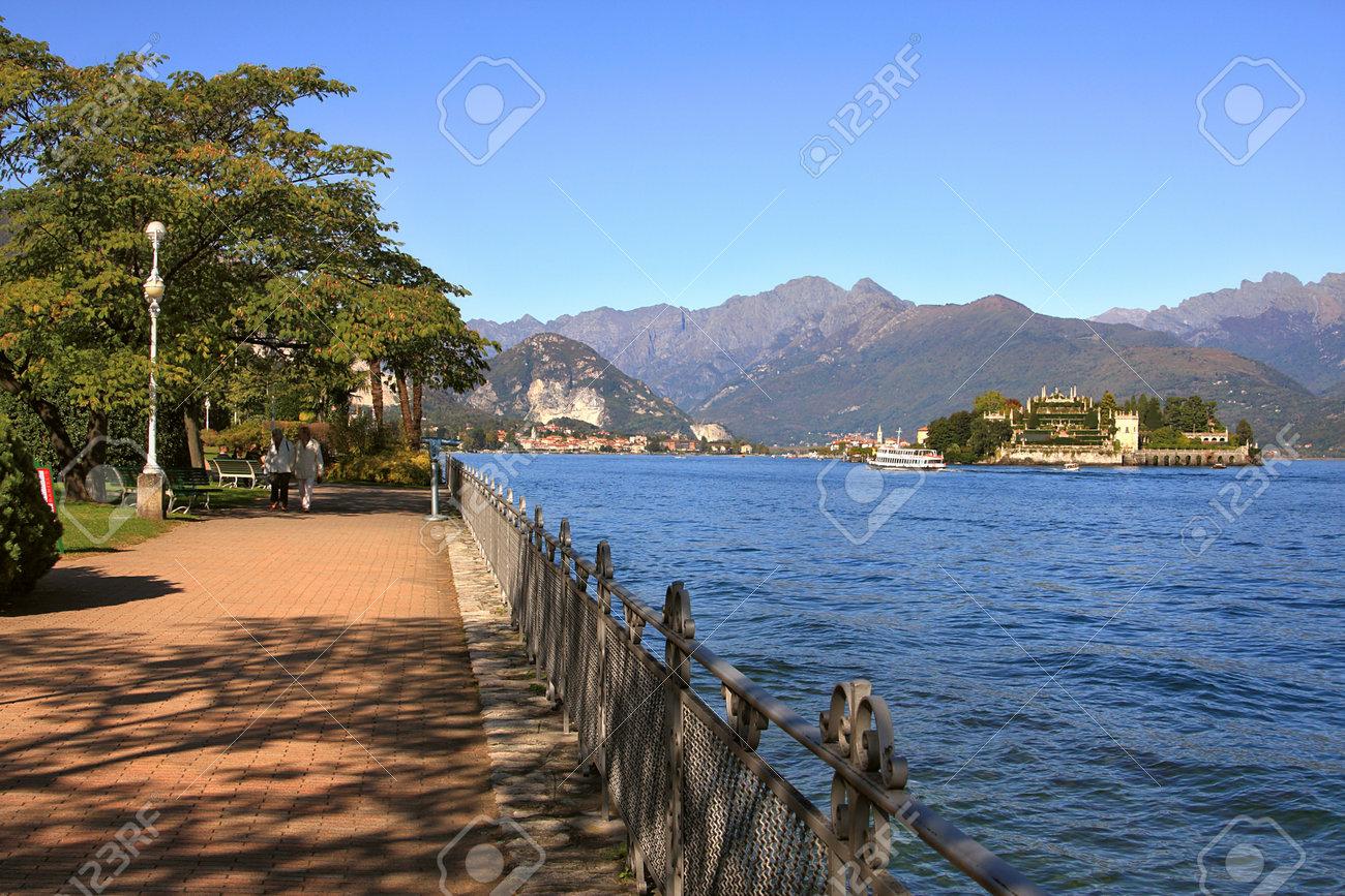 Promenade along the Lake Maggiore in northern Italy. Stock Photo - 10207953