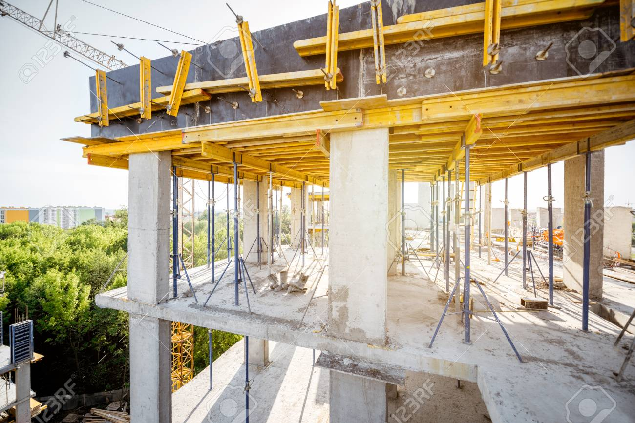 Formwork for concrete during the house construction process - 102827288