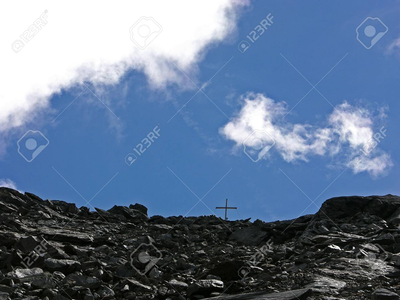 cross on a mountain Stock Photo - 7667390