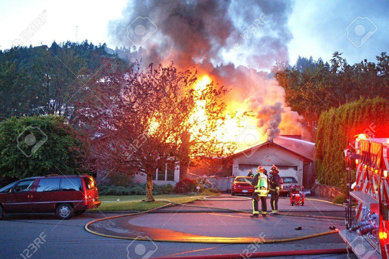 House on fire Stock Photo - 10005371