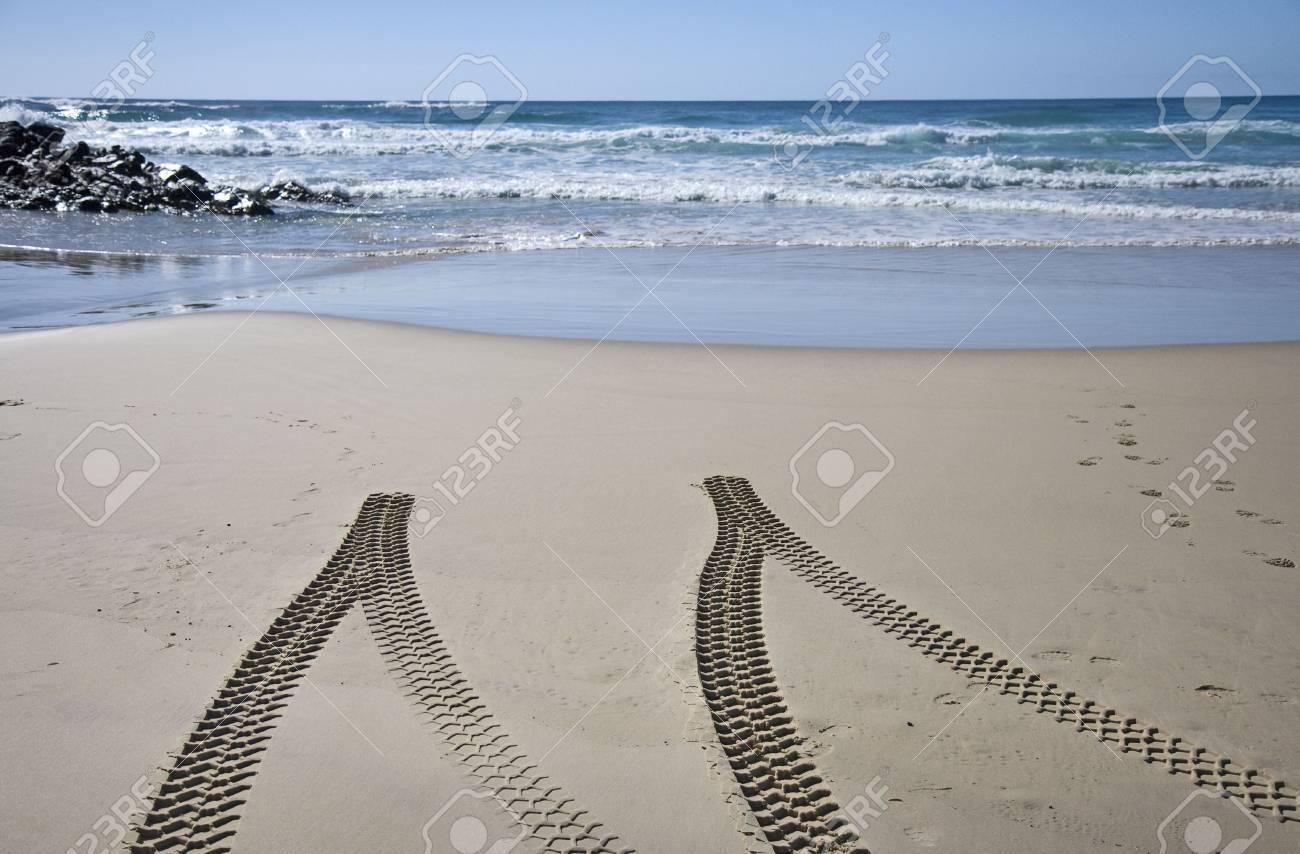 4x4 tyre tracks on beach, Fraser Island, Queensland, Australia