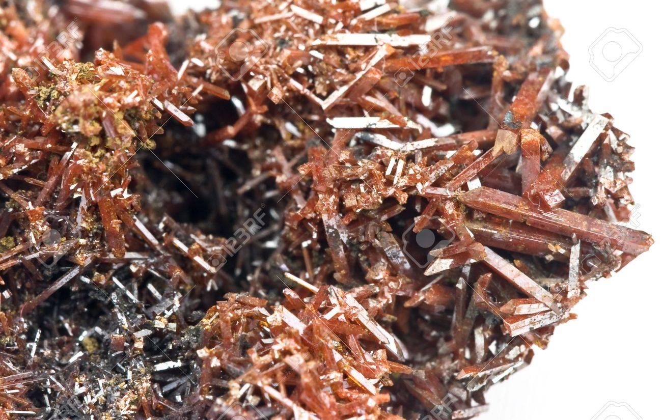 紅鉛鉱 - クロム酸鉛から成る鉱...