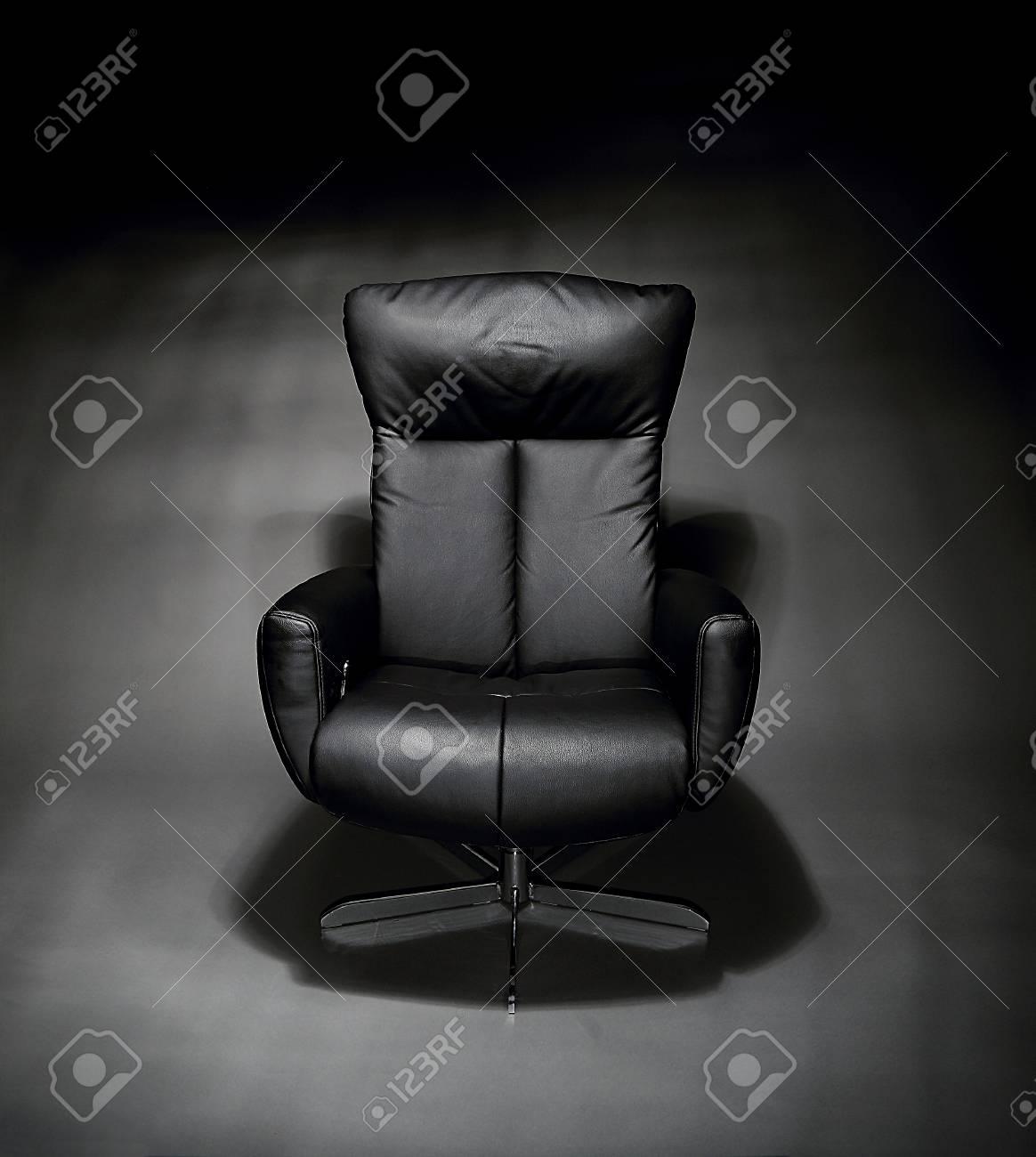 Strange Empty Black Leather Easy Chair Inzonedesignstudio Interior Chair Design Inzonedesignstudiocom