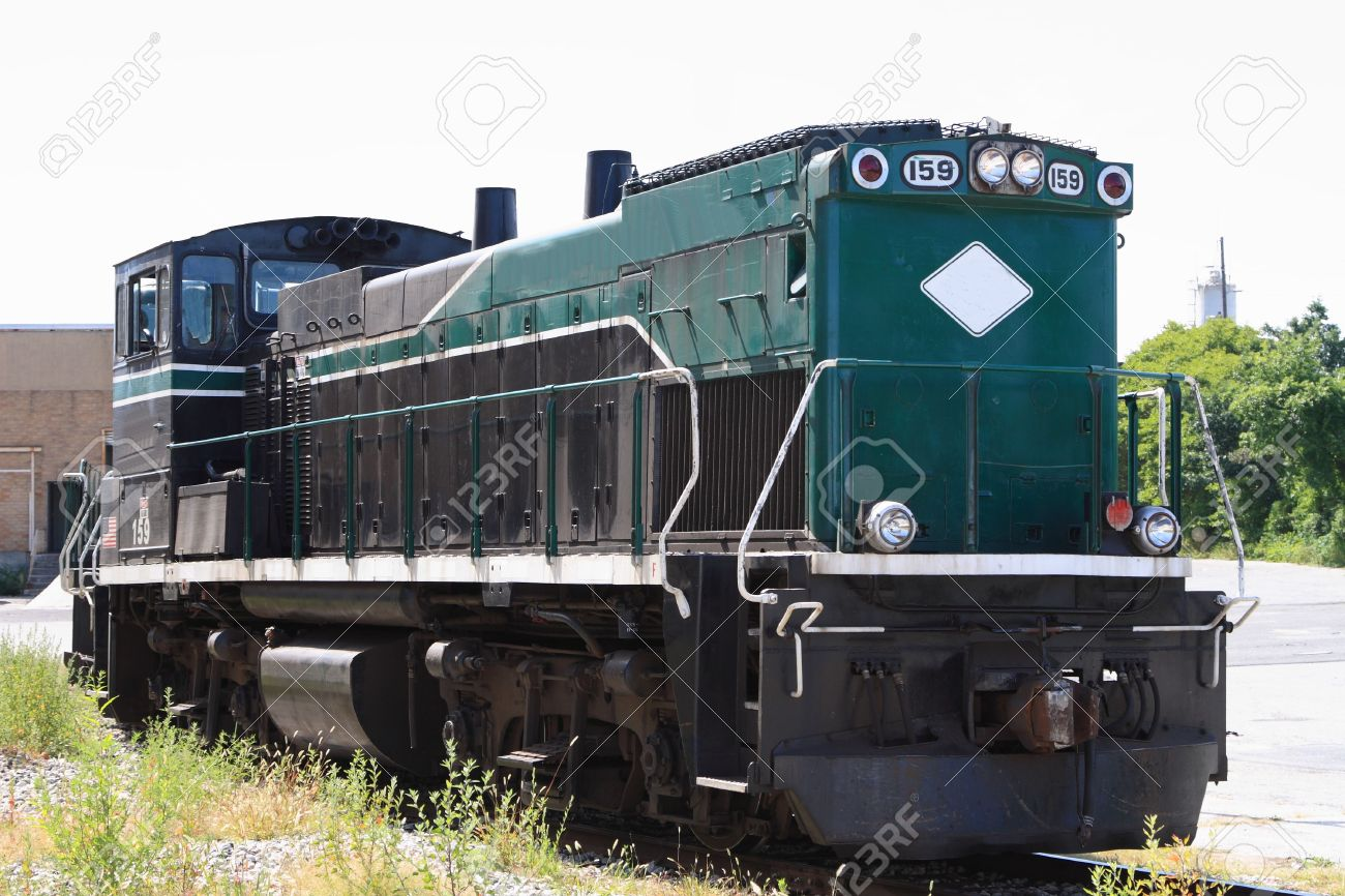 https://previews.123rf.com/images/richg8250/richg82500808/richg8250080800008/3494250-Diesel-railroad-Locomotive-engine-on-a-side-track-Stock-Photo.jpg