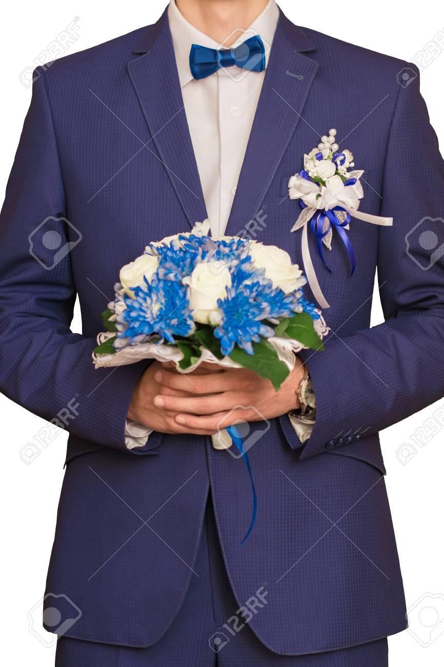 Hochzeit Photo The Brautigam Kosten Mit Einem Blumenstrauss Auf