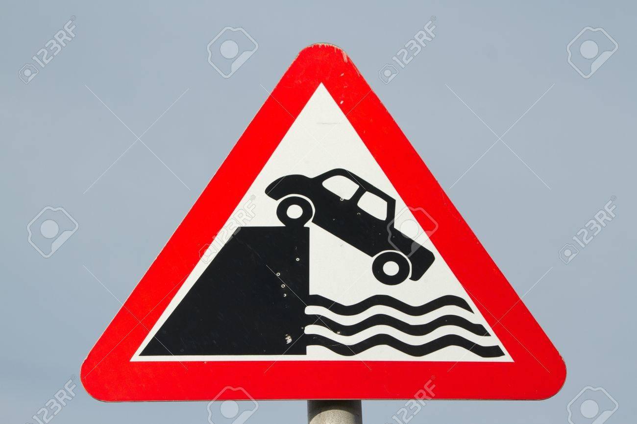 Eine Dreieckige Verkehr Warnzeichen Mit Einem Roten Rand Und Dem
