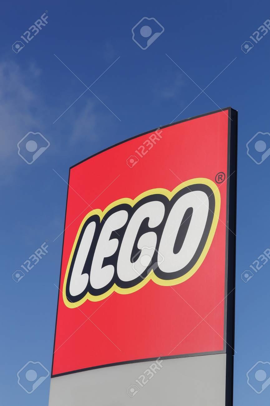 Construcción Fabrican Una Por Noviembre 2015Lego Es Se Grupo Que El Línea 12 Lego De Plástico BillundDinamarca Juguetes 8O0wXknP