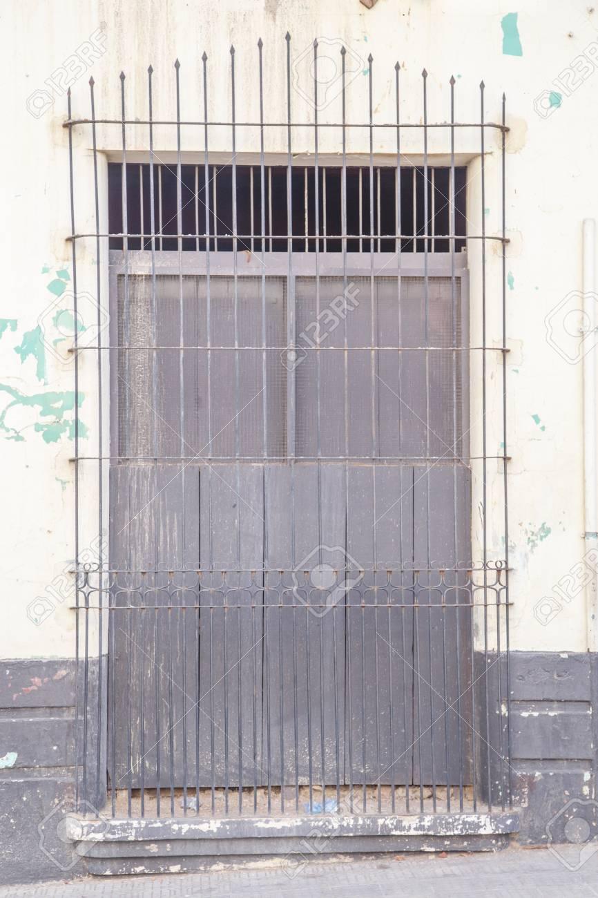 Vieille Porte Vue En Arrière Plan Banque Dimages Et Photos Libres