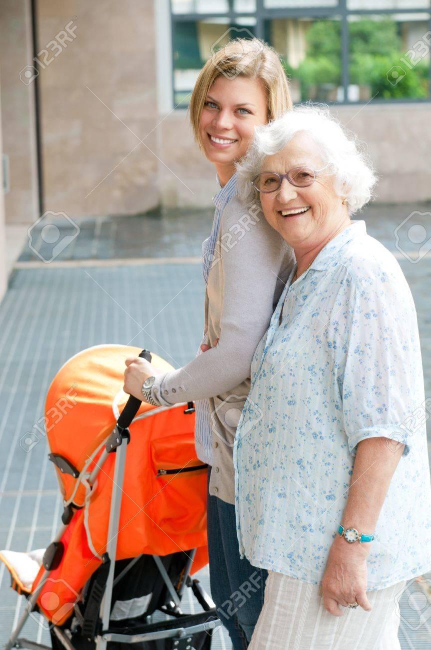 Сех бабушка с вунукам 19 фотография