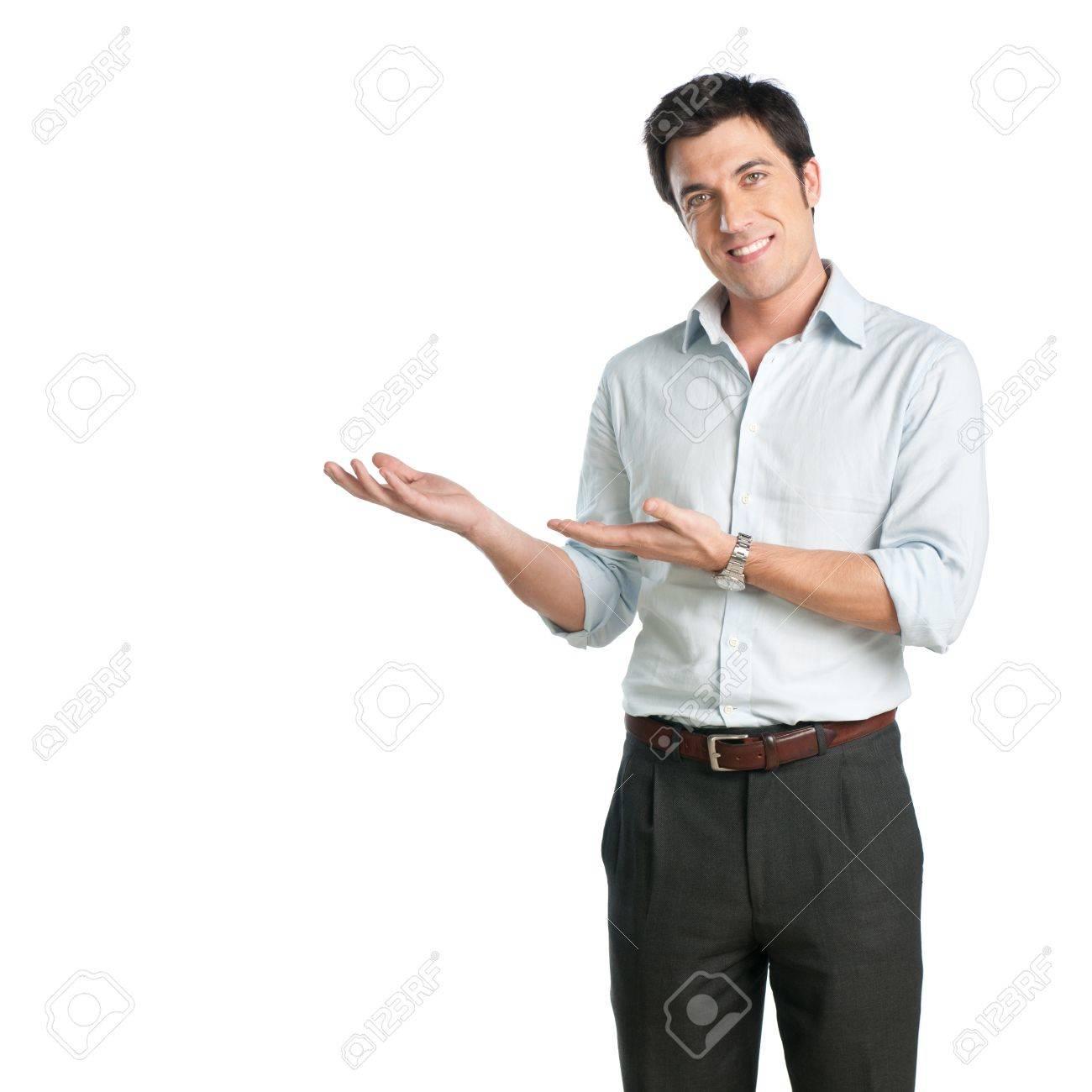 Мужчина показывающий своими руками
