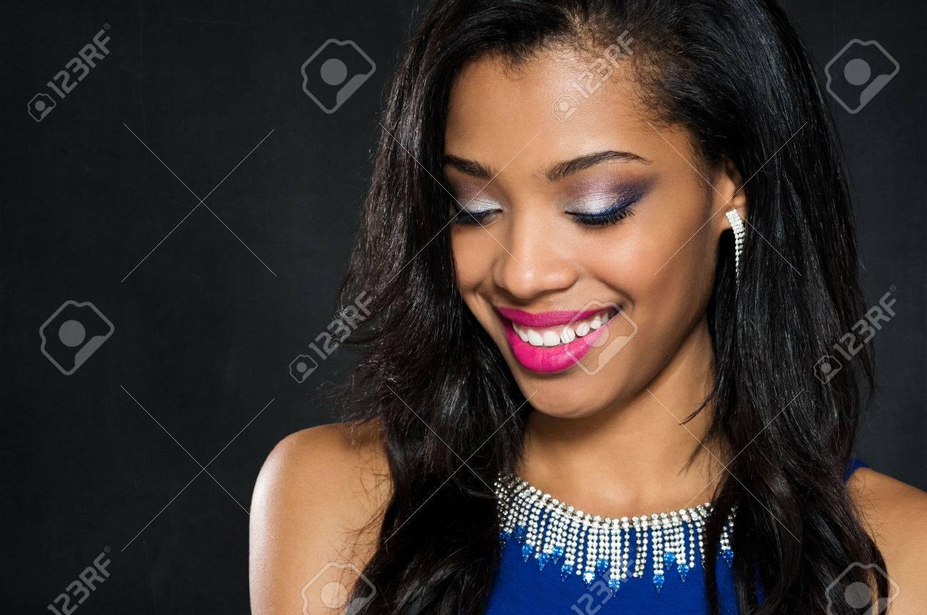 Vestido Azul Que Maquillaje