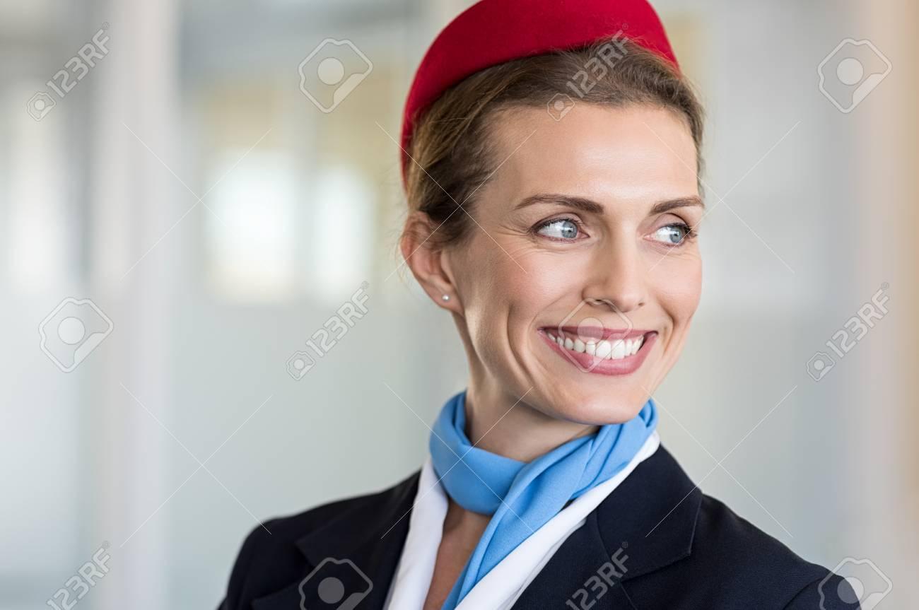 Bonne Hotesse De L Air En Detournant Les Yeux Portrait De L