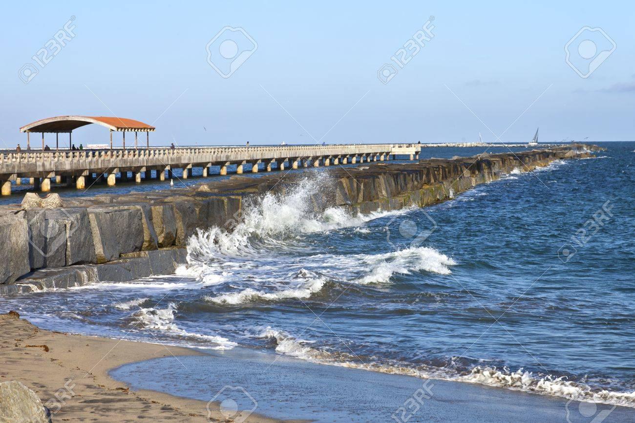 Waves and surf along the San Pedro promenade California Stock Photo - 21178583