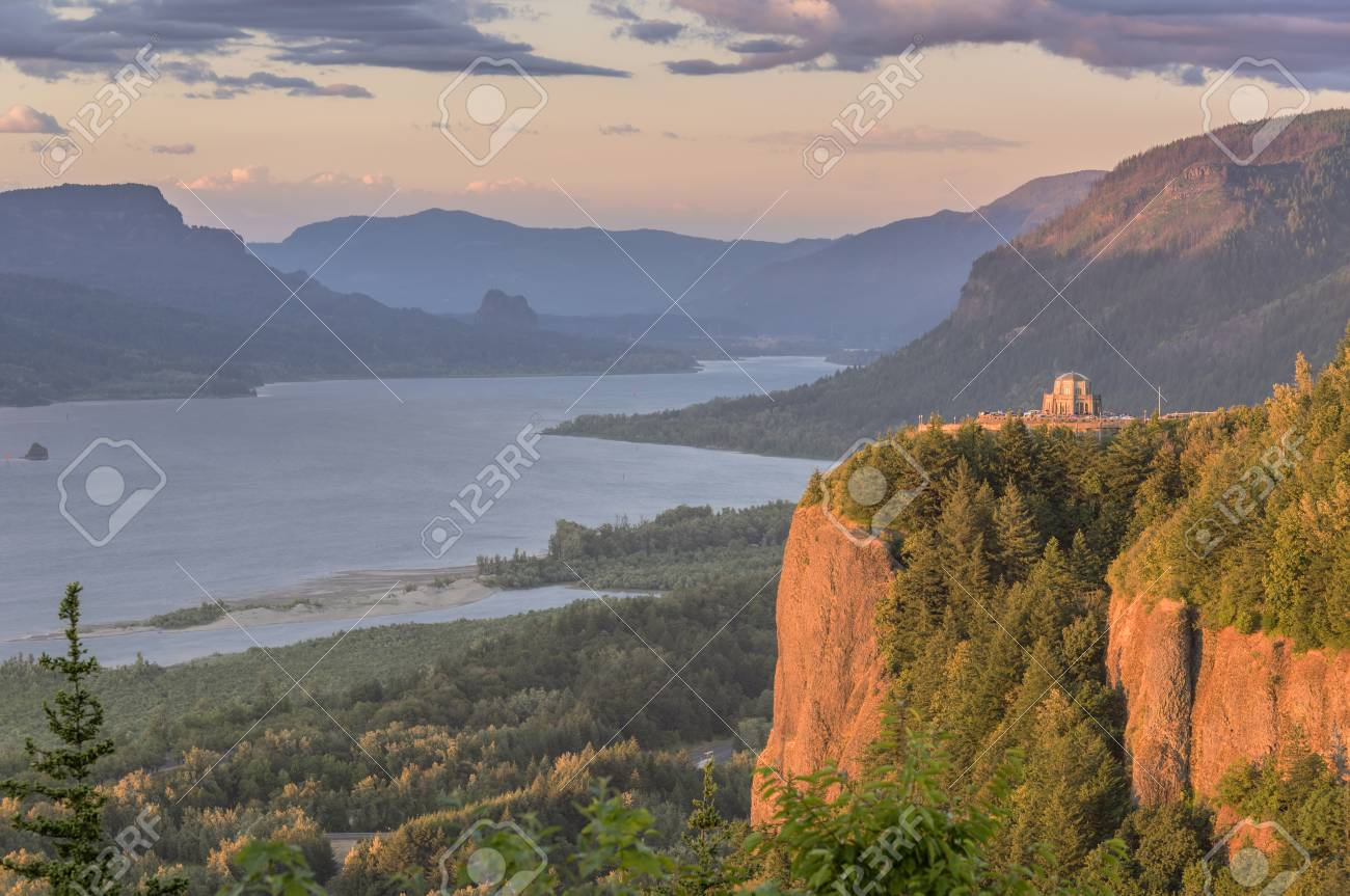 94bf476dae8 Crown point and the Columbia River Gorge at sunset. Stock Photo - 104665247