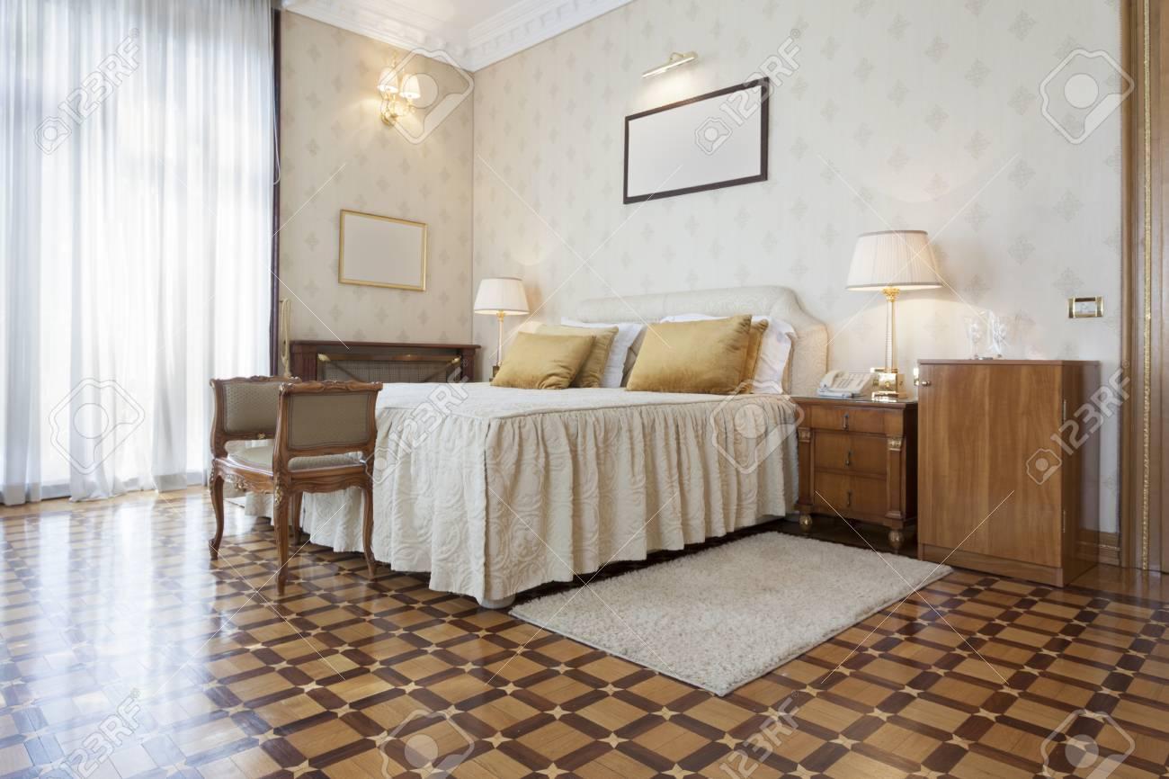 Interno Camera Da Letto Elegante Hotel Di Lusso Foto Royalty Free ...