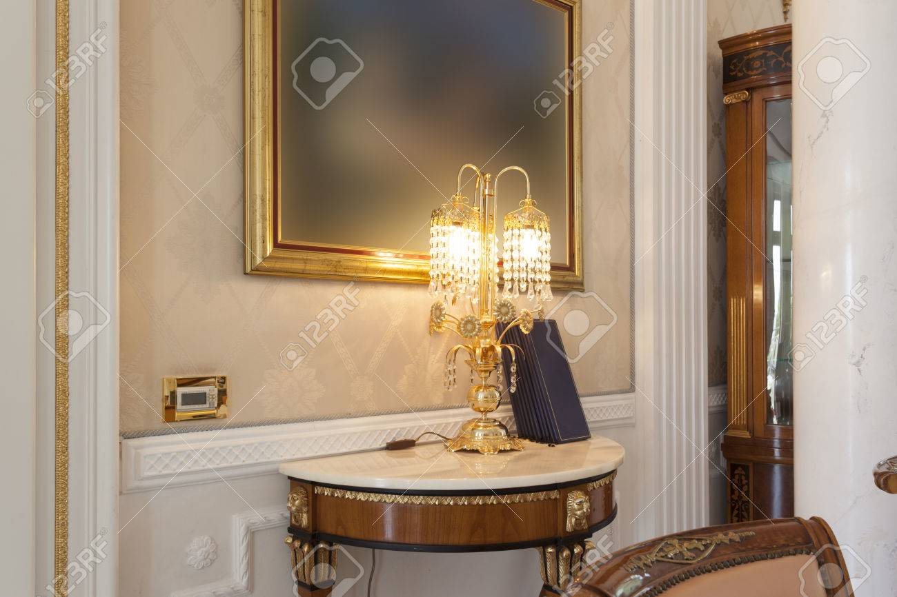 Mesas Para Lamparas Sala. Set Of Satin Gold Touch Table Lamps With ...