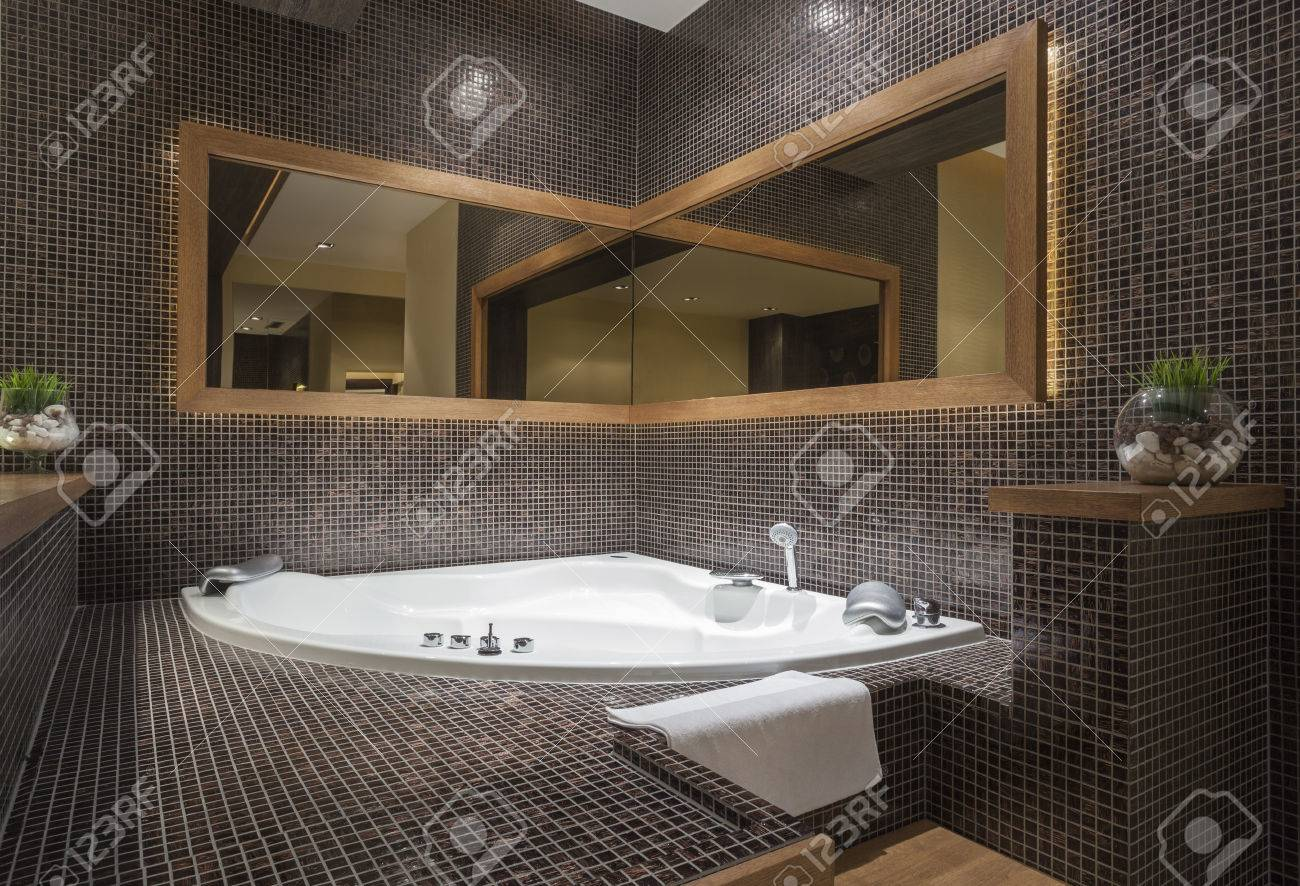 Modern Jacuzzi With Corner Mirror Stock Photo, Picture And Royalty ...