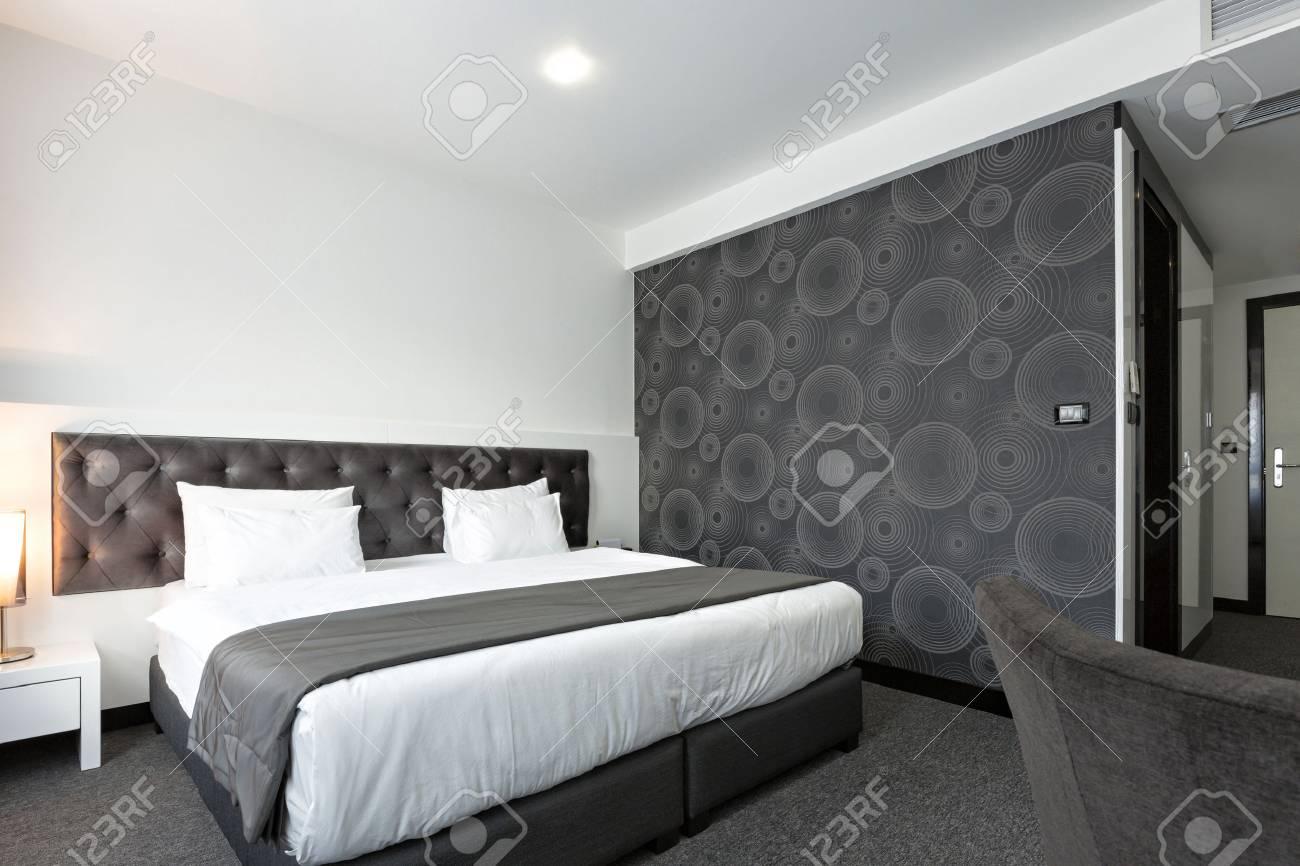 Moderne Elegante Schlafzimmer Innenraum Lizenzfreie Fotos, Bilder ...
