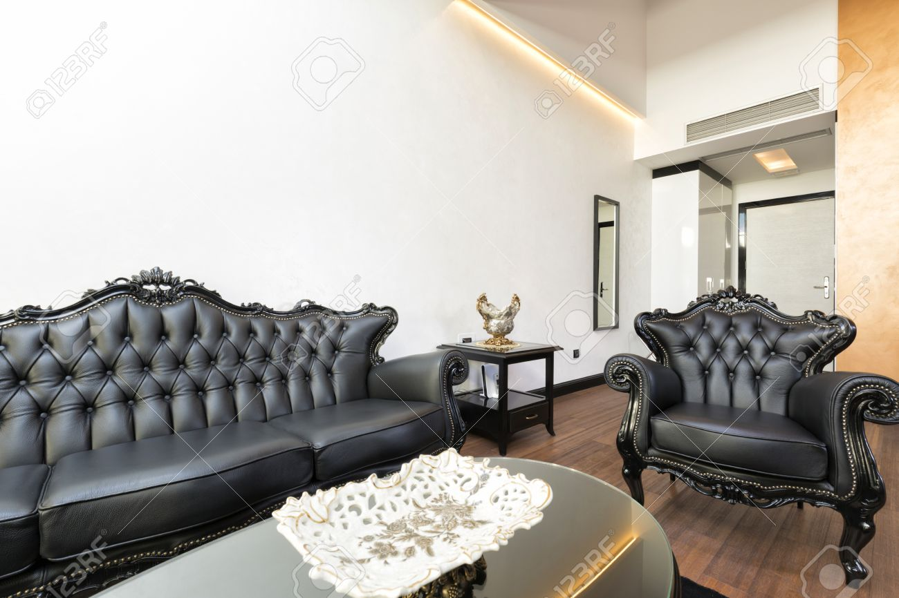 Elegante Salón De Lujo Con Muebles De Cuero Negro Fotos, Retratos ...