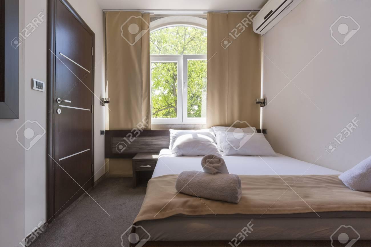 Letti Matrimoniali Di Lusso : Interno di una camera da letto matrimoniale hotel di lusso foto