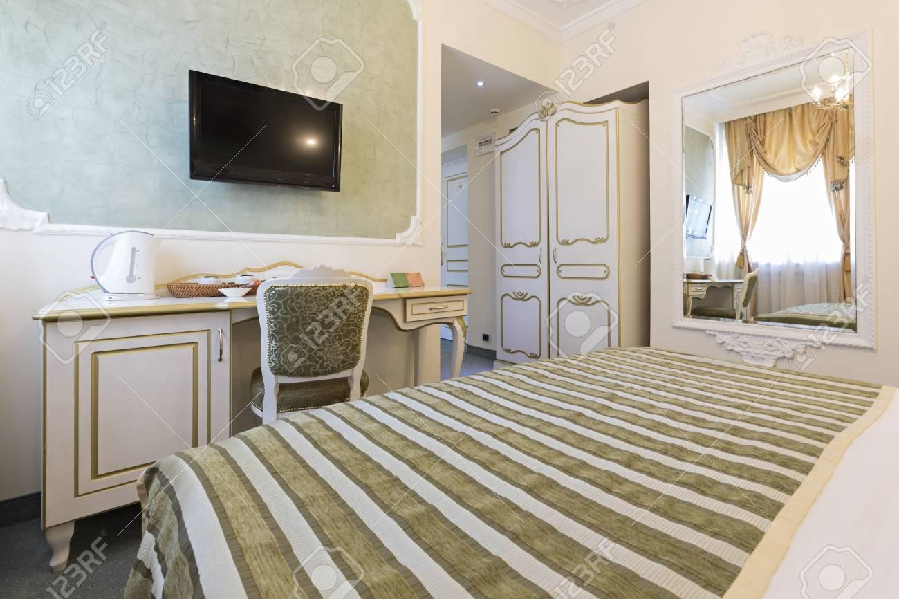 Hotel Di Lusso Interni : Interno di una camera da letto in stile classico in hotel di lusso