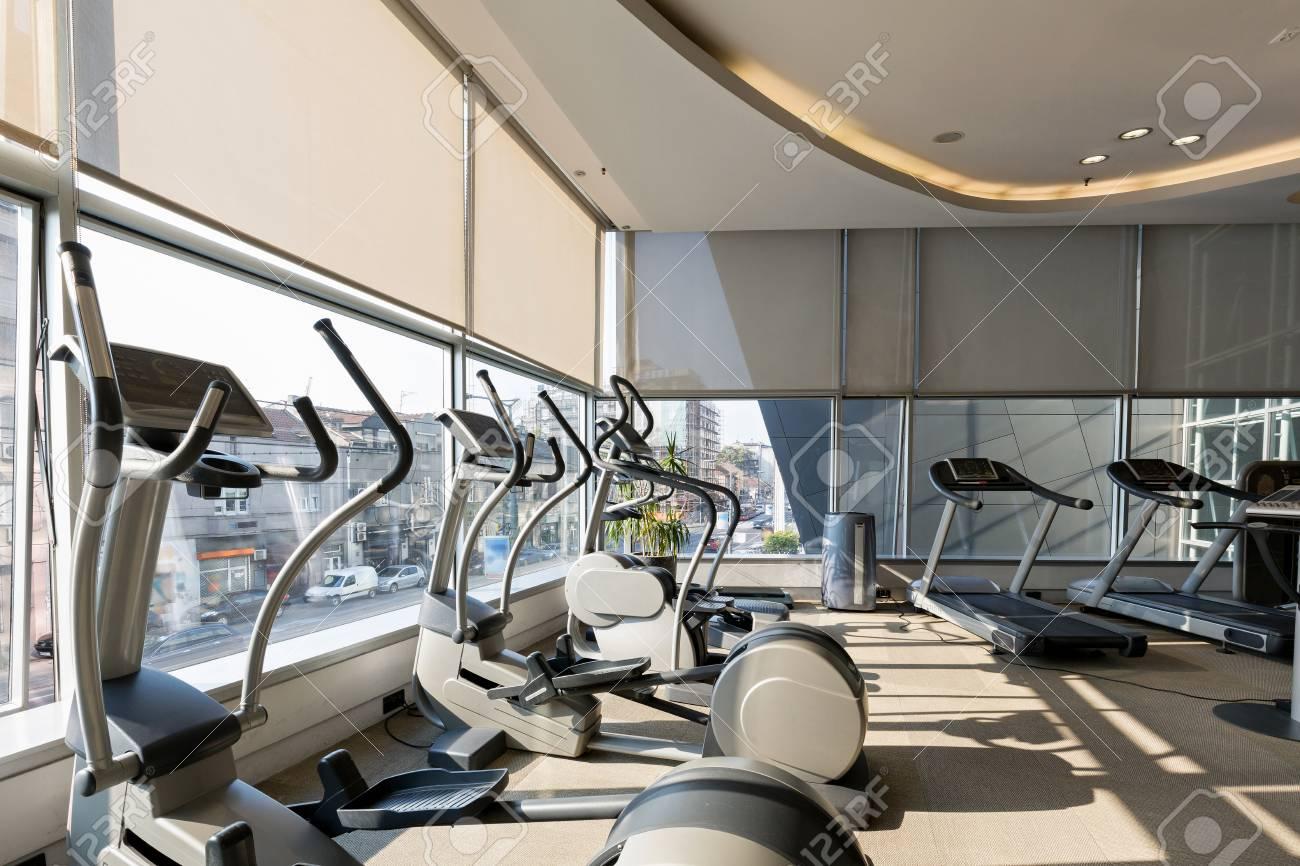 Interieur D Un Hotel Salle De Sport Moderne