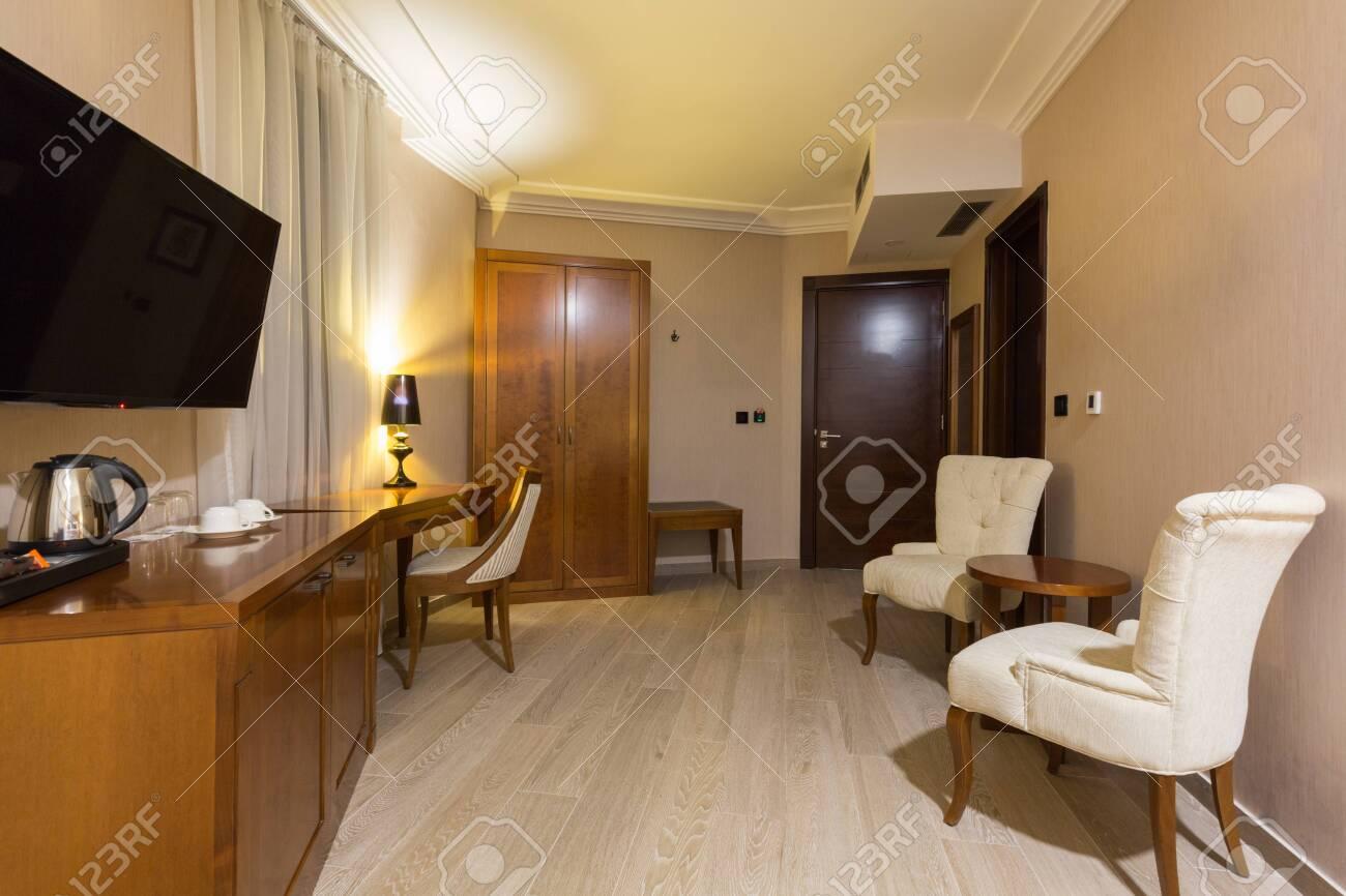 Hotel room interior - 122139988