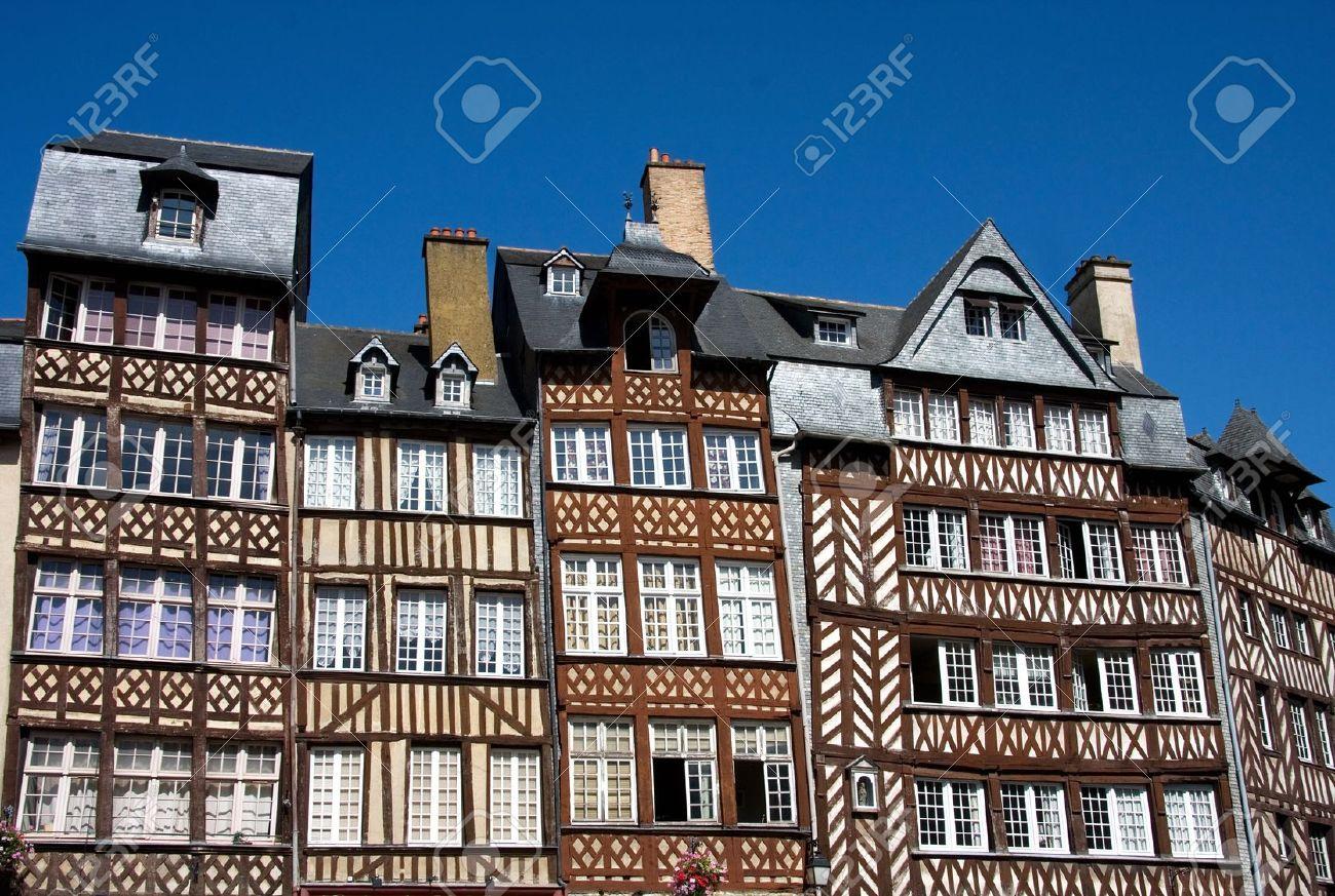 Los Edificios De Entramado De Madera De Rennes Histórica, Bretaña ...