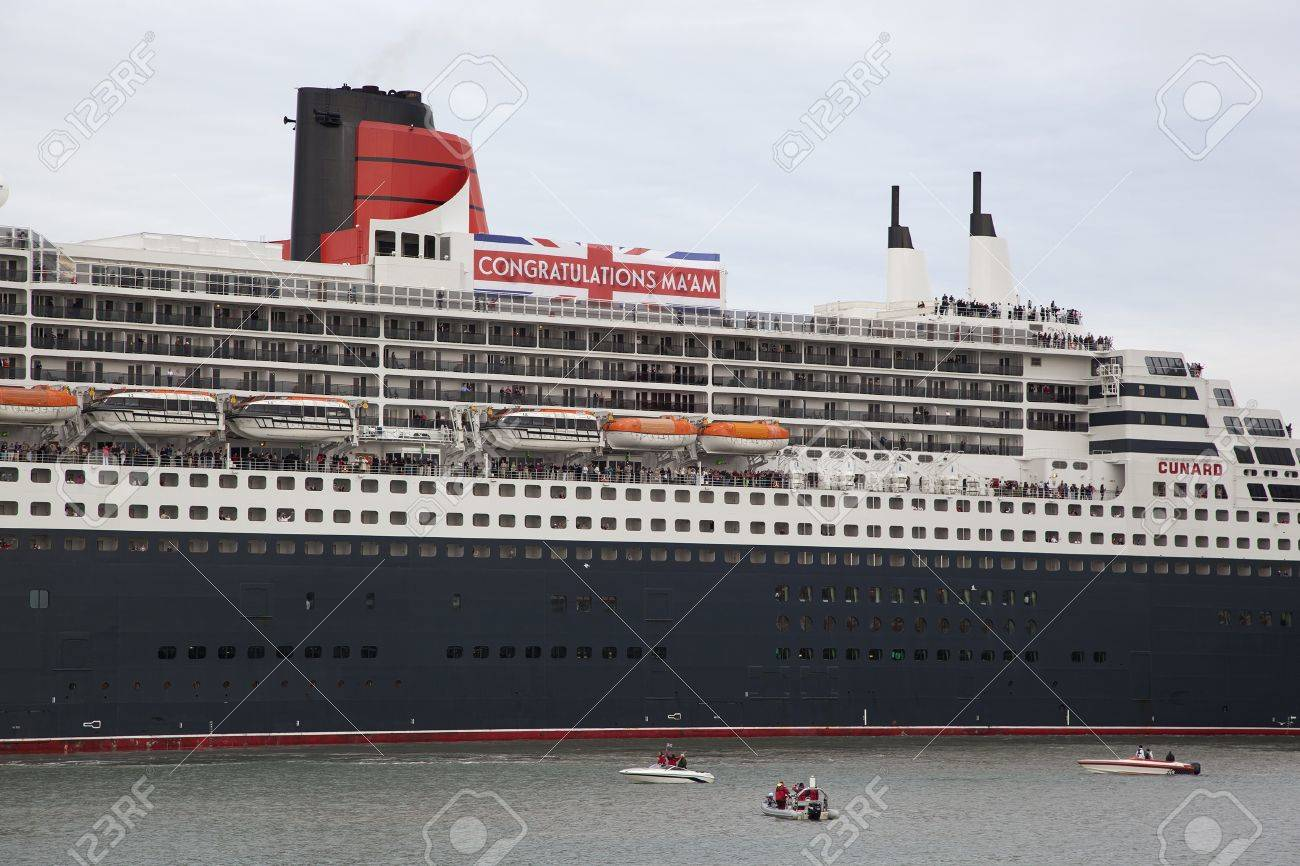 Southampton uk 5 june cunard ship queen mary 2 sails in at southampton uk 5 june cunard ship queen mary 2 sails in at dawn m4hsunfo
