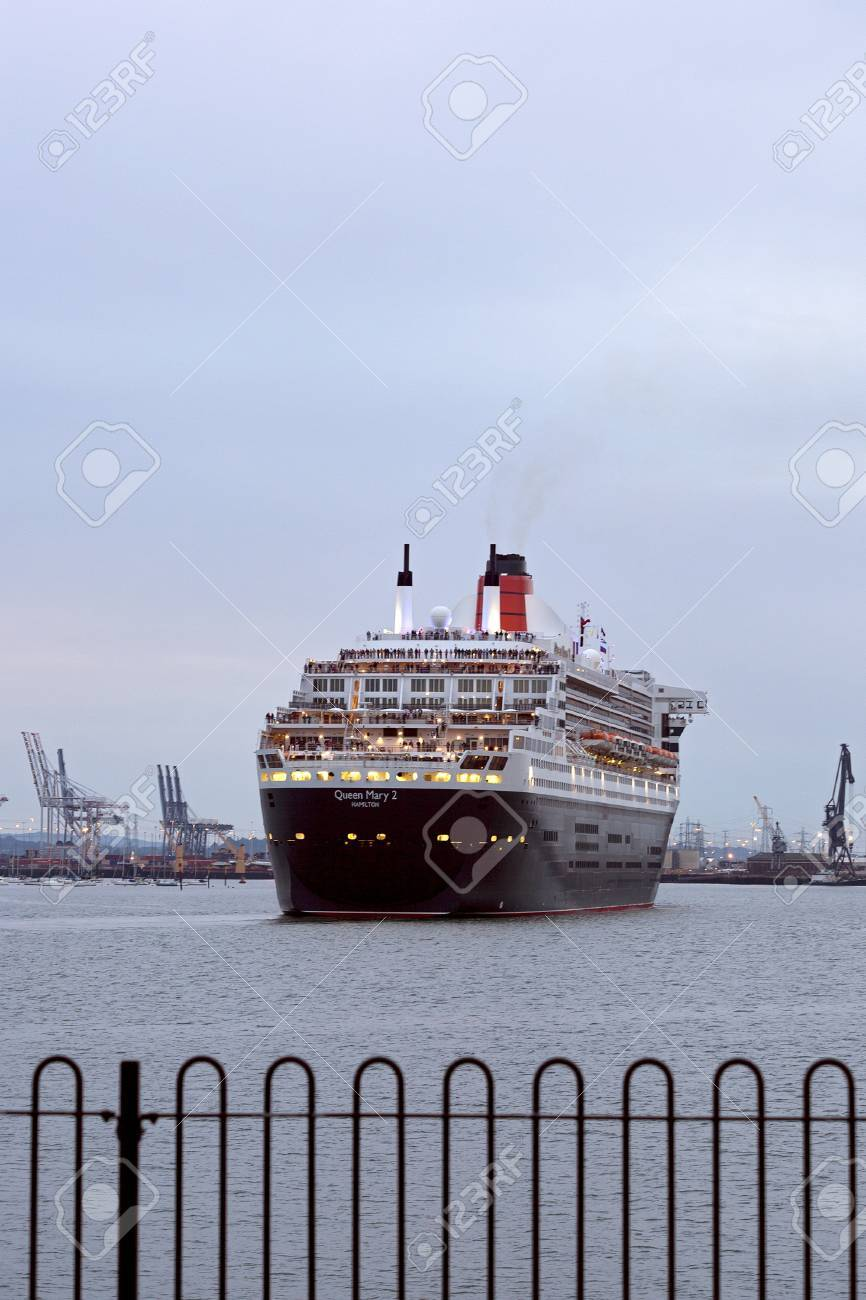Southampton uk 5 june cunard ship queen mary 2 sails in to southampton uk 5 june cunard ship queen mary 2 sails in to meet m4hsunfo