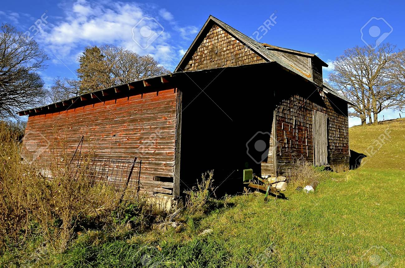 Old Decrepit Granary And Storage Shed Amidst The Colors For Autumn Stock  Photo   67581328