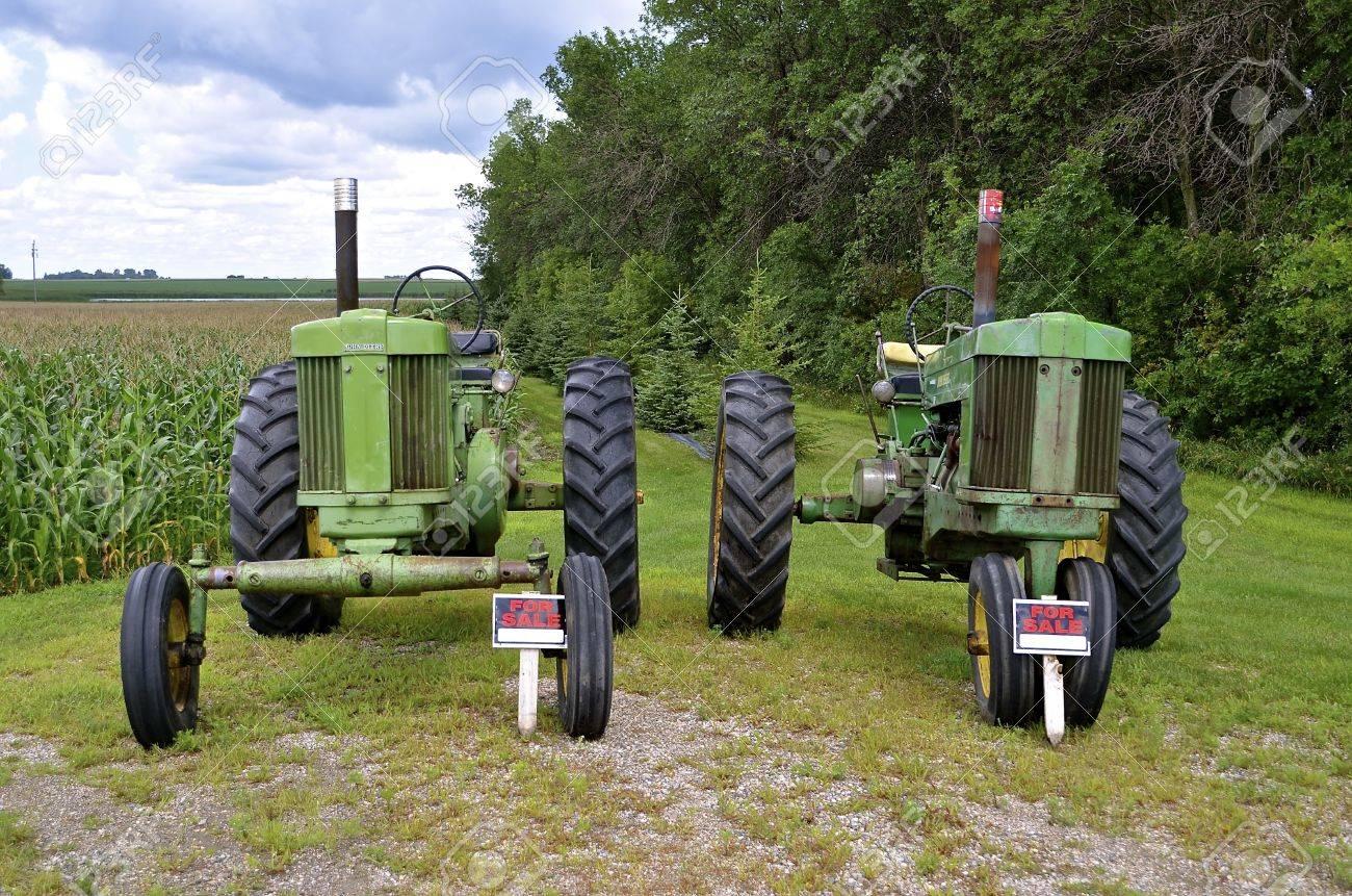 John Deere For Sale >> Ulen Minnesota July 27 2016 The Two Old John Deere Tractors