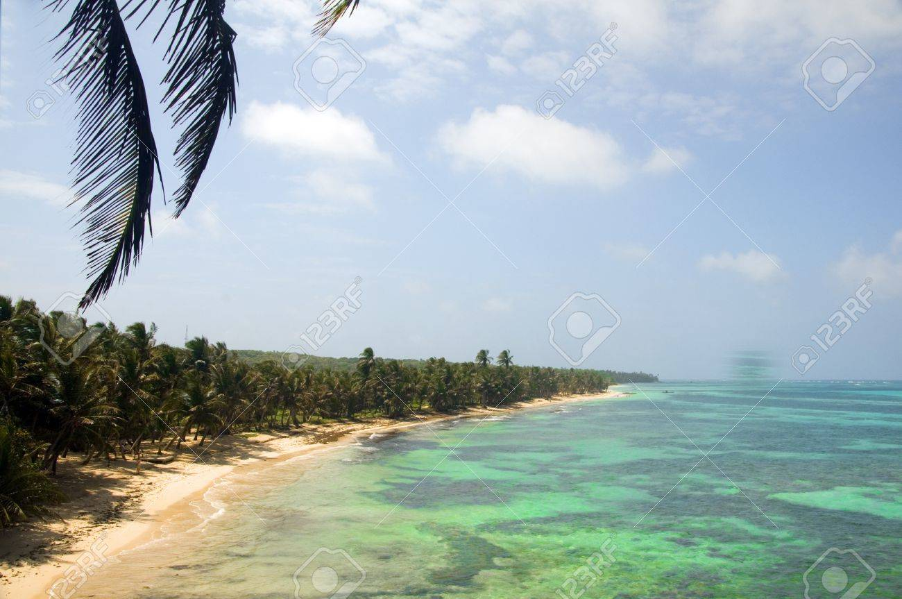 undeveloped Iguana Beach Little Corn Island Nicaragua Central America on Caribbean Sea Stock Photo - 19154306