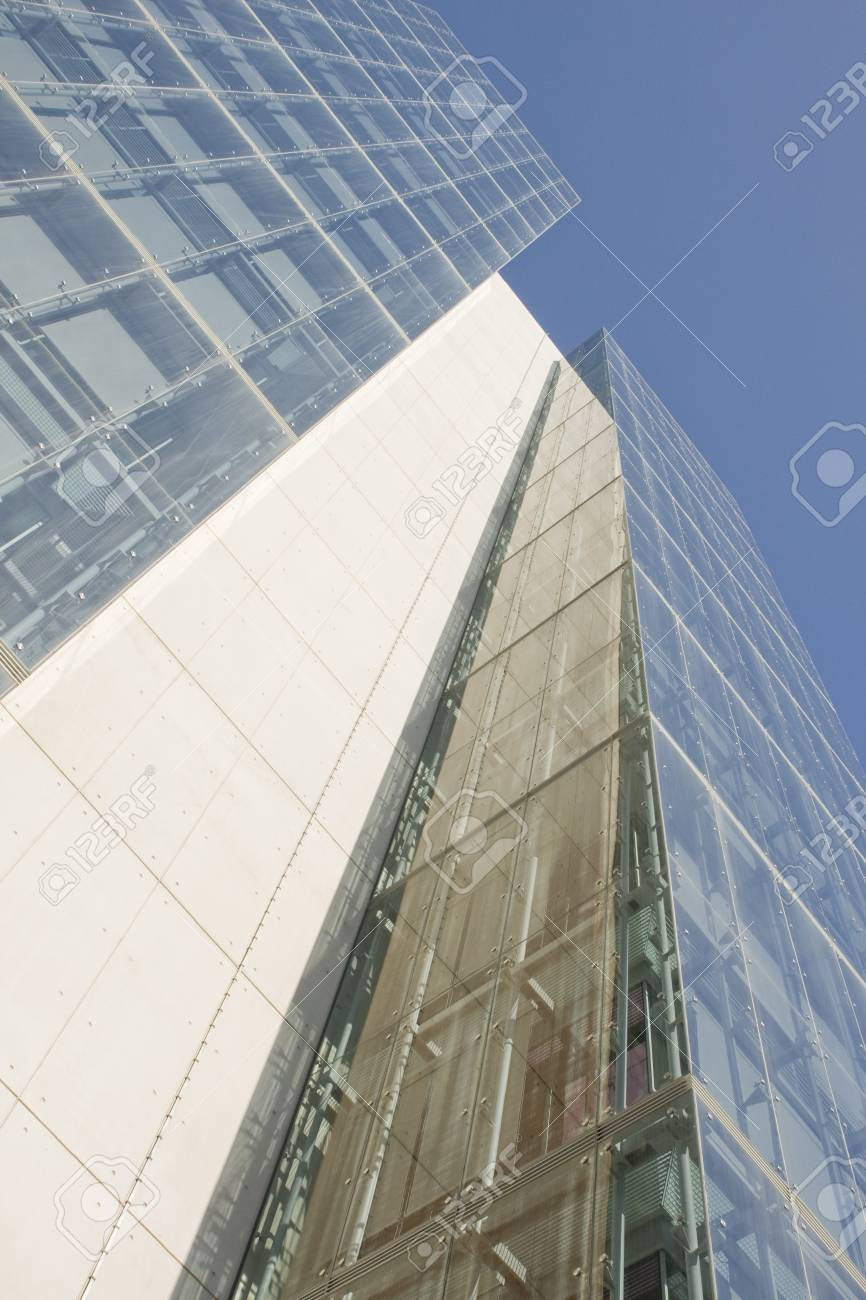 Modern office building on a background of blue sky Stock Photo - 4388280