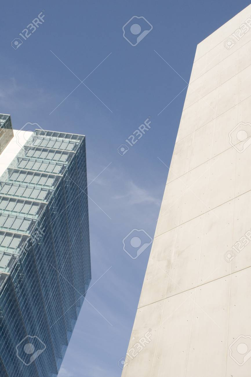 Modern office building on a background of blue sky Stock Photo - 4406607