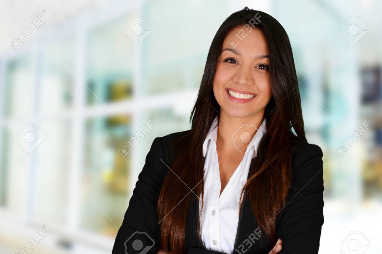 meilleures baskets a9fb3 490e8 Femme d'affaires au bureau prêt à travailler