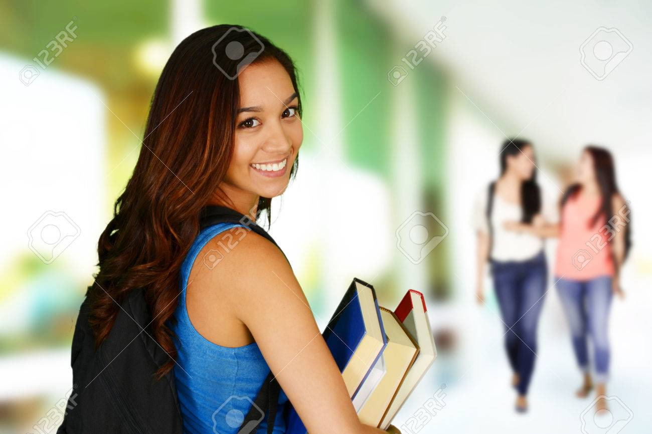 Student going to class at her college Stock Photo - 41605524