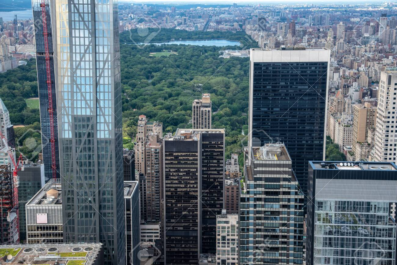 Central Park and North Manhattan seen from the top of the Rockefeller Center (NYC, USA) - 128653066