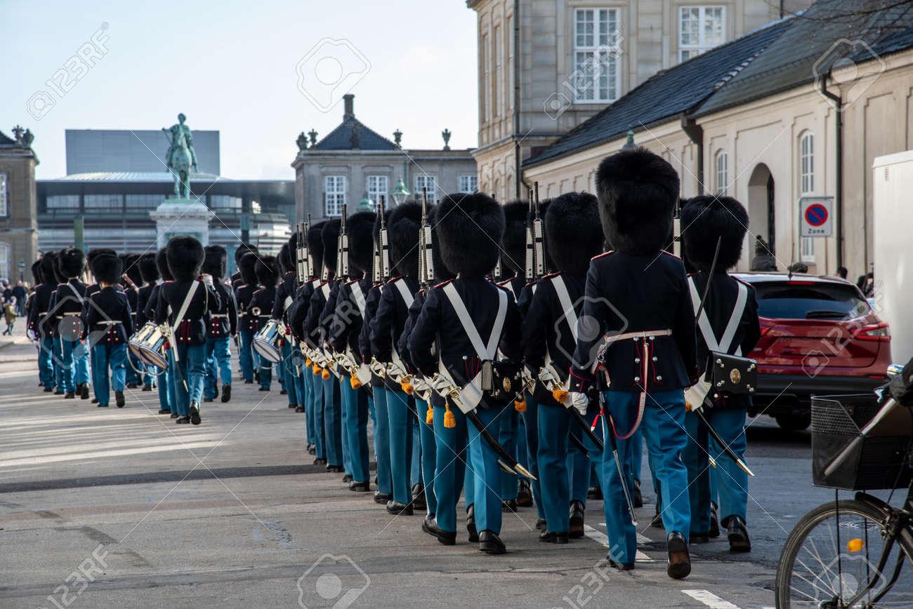 Copenhagen Royal Life Guards marching to Amalienborg Palace - 154544703